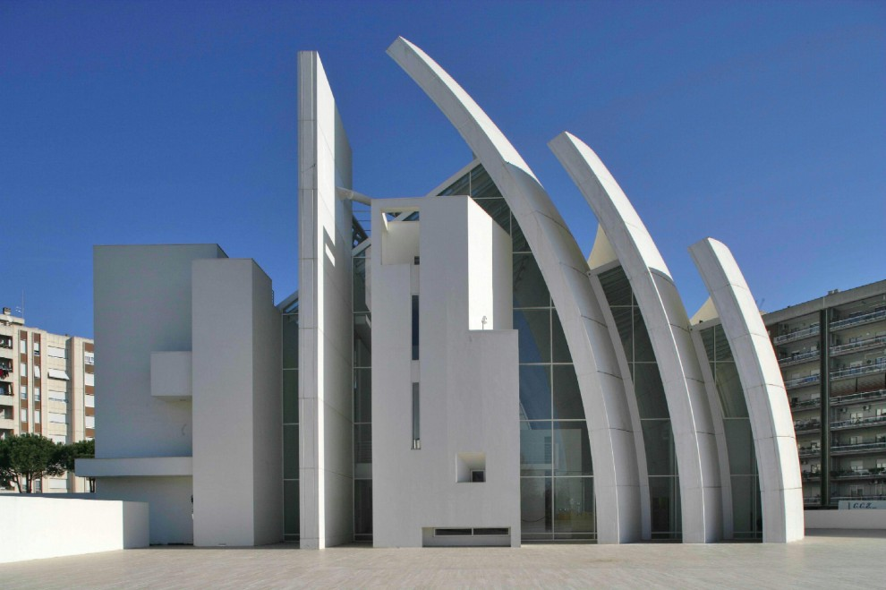 Le chiese costruite negli ultimi 50 anni sono brutte?Are churches built in the last 50 years ugly?¿Las iglesias construidas en los últimos 50 años son feas?