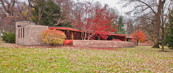 All'asta al casa Laurent di Frank lloyd WrightFrank lloyd Wright's Kenneth Laurent house up for auctionSe subasta la casa Laurent de Frank lloyd Wright